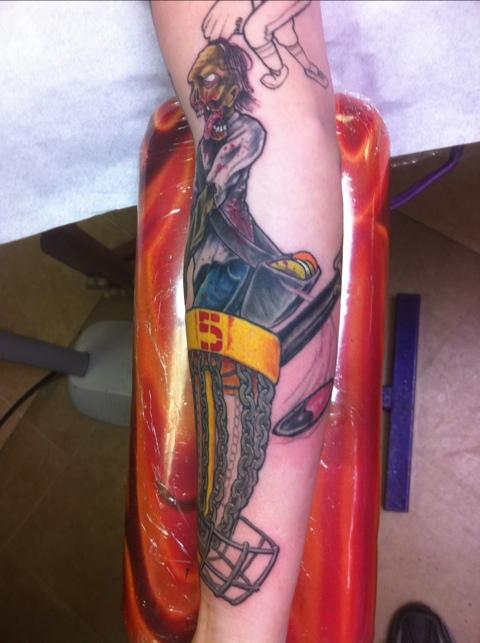 Cassandras disc golf zombie chagotattoos for Disc golf tattoos